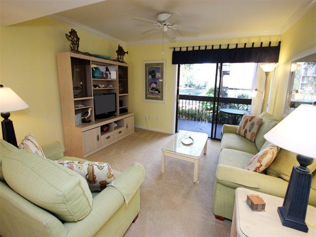 Living area - Island Club, 143 - Hilton Head - rentals