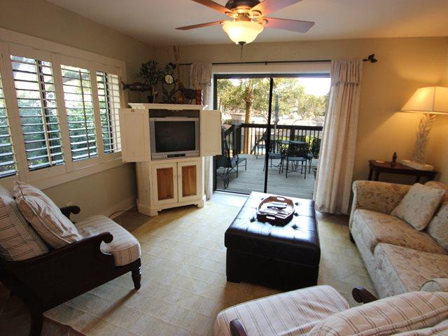 Living area - Island Club, 10-109 - Hilton Head - rentals