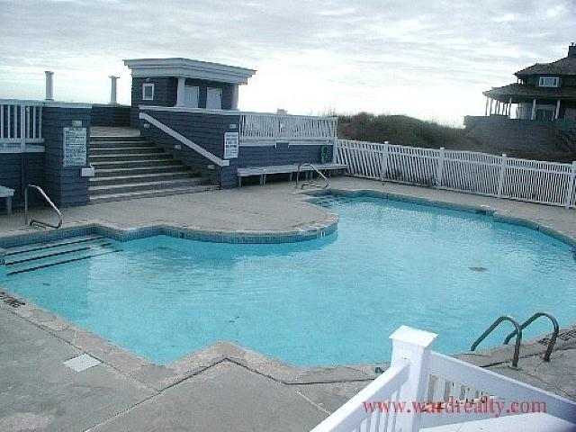 Outdoor Community Swimming Pool - @ The Beach - North Topsail Beach - rentals