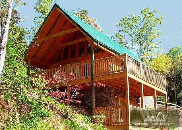 Americana  View Privacy King Beds Pool Access Hot Tub Wii  Free Nights - Image 1 - Gatlinburg - rentals