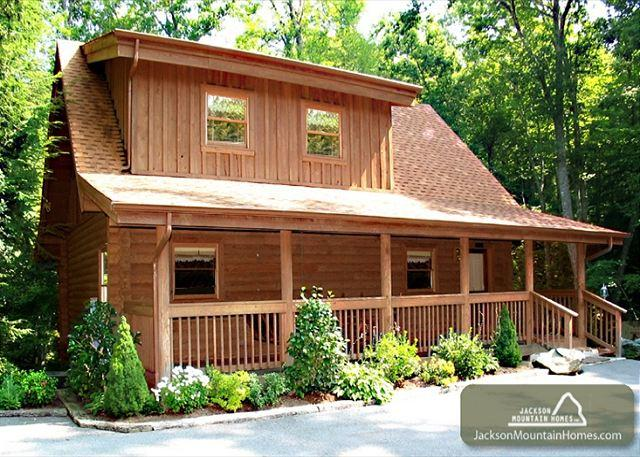 Doe's Den   Private Hot Tub King Beds Fireplace Jetted Tub Free Nights - Image 1 - Gatlinburg - rentals
