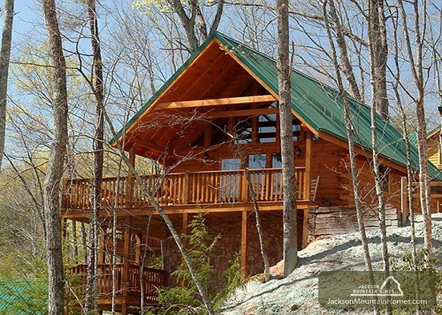 Knotty 'N Nice   Jacuzzi Pool Access Hot Tub Pool Table    Free Nights - Image 1 - Gatlinburg - rentals