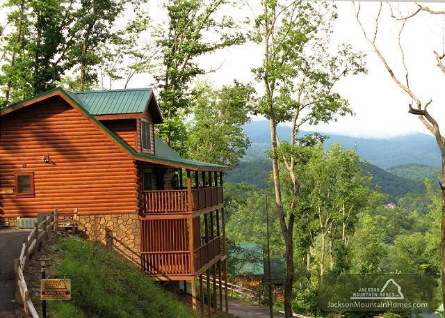 Komfy Kozy   Mountain View  Game Room  Pool Access  WiFi   Free Nights - Image 1 - Gatlinburg - rentals