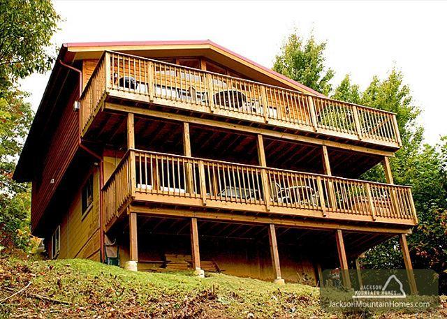 Red Heaven   City and Mountain Views Gaming WiFi Hot Tub   Free Nights - Image 1 - Gatlinburg - rentals