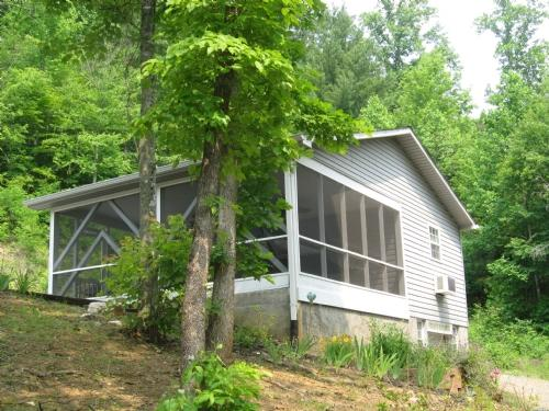 Exterior - Promise Keeper Cottage - Mars Hill - rentals