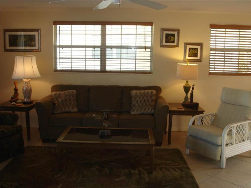 Just steps to turquoise waters of the Gulf of Mexico - Villa 16 - Image 1 - Siesta Key - rentals