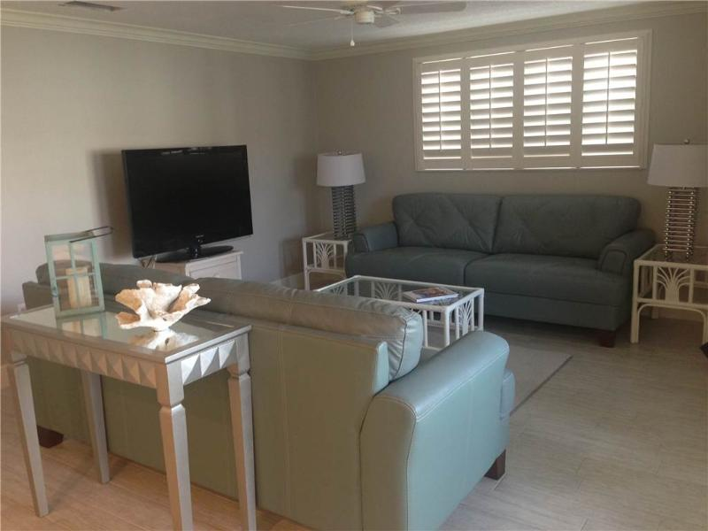 Wonderful 2BR next to the beach - Villa 17 - Image 1 - Siesta Key - rentals