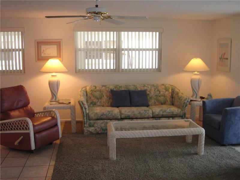 Amazing 2BR for the next family vacation to the Gulf - Villa 23 - Image 1 - Siesta Key - rentals