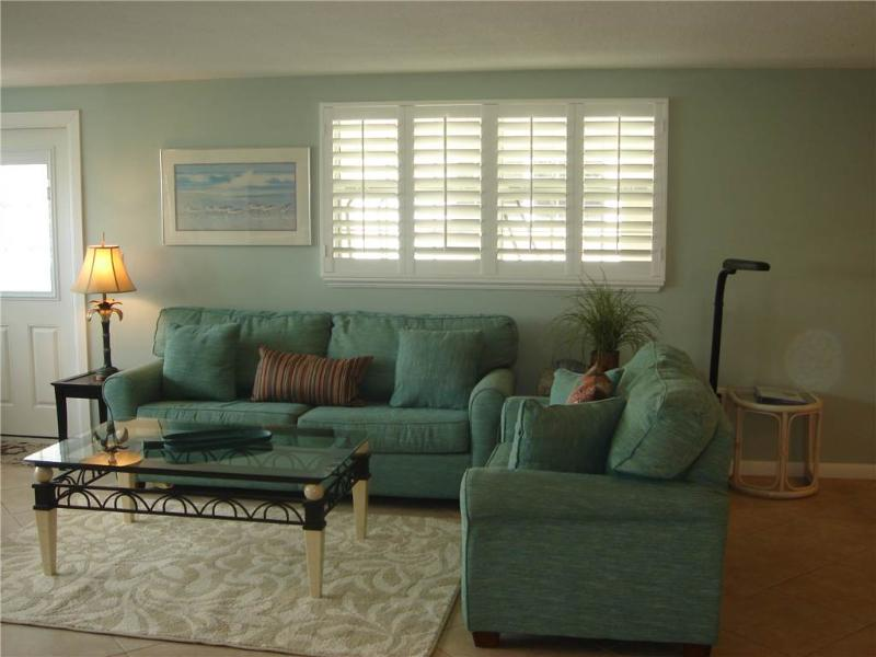 2BR villa w/ HD TV, free wifi and parking - Villa 35 - Image 1 - Siesta Key - rentals