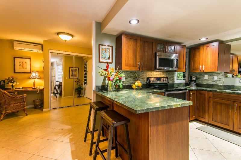 bamboo cabinets in newly remodeled kitchen - Only The Best At HBR 4222 - Princeville - rentals