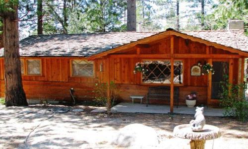 2 Bedroom,1 Bath, Sleeps 6, No Pets: Wood burning fireplace,forest setting, large deck, walk to Humber Park - Serenity - Idyllwild - rentals