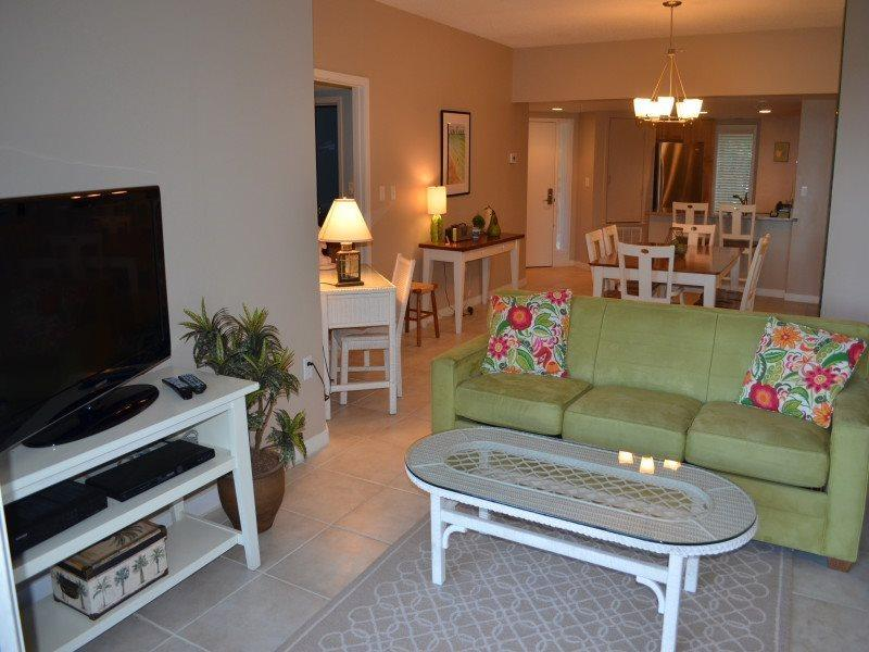 101 Barrington Arms - Living Room - 101 Barrington Arms - Palmetto Dunes - rentals