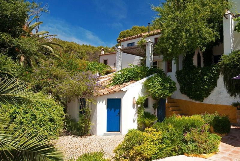 El Tejar seen from the garden - A magical home close to Ronda with maid service - Ronda - rentals