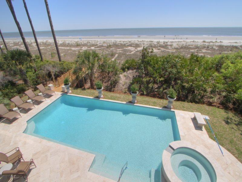Oceanfront Pool at 10 East Wind - 10 East Wind - Palmetto Dunes - rentals