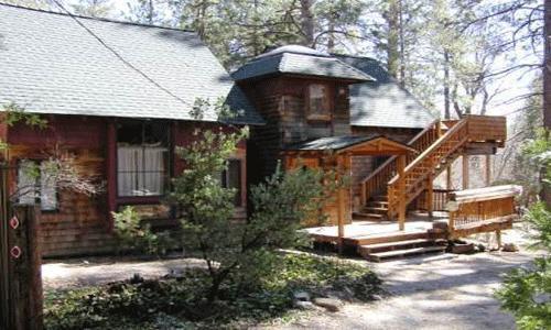 2 Bedroom, 1 1/2 Bath, Sleeps 4, Pet Ok: Walk to village, Wood burning stove - Hobbit House - Idyllwild - rentals