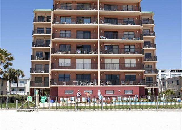 Beachfront condominium located directly on the Gulf of Mexico in North Redington Beach. - Emerald Isle #103 - North Redington Beach - rentals
