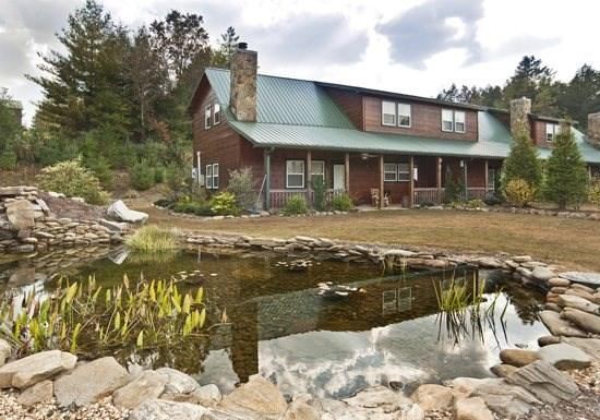 THE BEAR`S DEN- 2BR/2.5BA, SLEEPS 6, CABIN CONDO, WIFI, CHARCOAL GRILL, WOODBURNING FIREPLACE, FIRE PIT, COVERED CARPORT, NEAR TOCCOA RIVER, WALKING DISTANCE TO FISHERMAN'S PARADISE, HOOK LINE & SINKER, AND ARVINDA, $99 NIGHT! - Image 1 - Blue Ridge - rentals