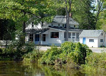 Welcome to Barefootn' on M22 (street side of house with Crystal River View) - Barefootin' on M-22 in Glen Arbor - Glen Arbor - rentals