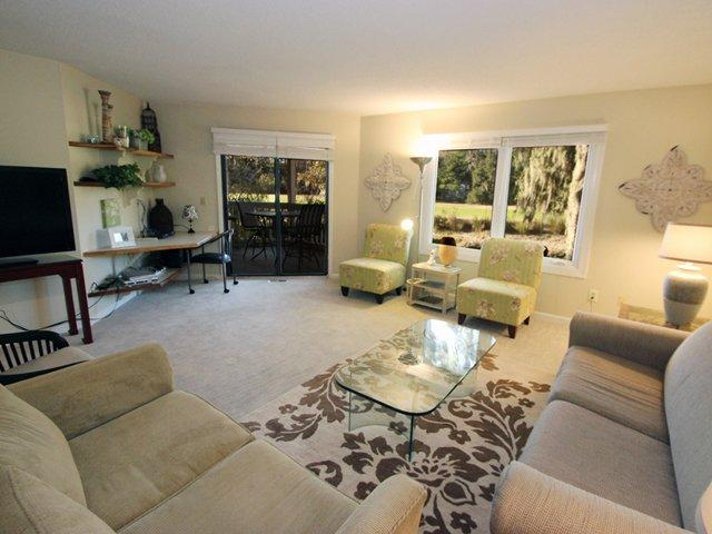Living area - Colonnade Club, 195 - Hilton Head - rentals