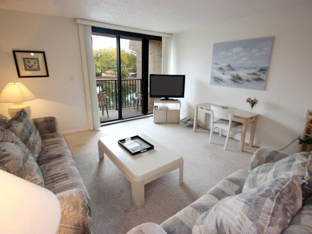 Living area 2 - Island Club, 114 - Hilton Head - rentals