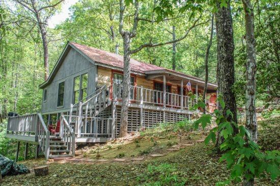 FOREST MOUNTAIN OUTFITTERS*4 WHEEL DRIVE REQUIRED*2BR W/SLEEPING LOFT/2BA- SECLUDED CABIN SLEEPS 6, HOT TUB, BEAUTIFUL MOUNTAIN VIEW, PET FRIENDLY, SAT TV, CHARCOAL GRILL, WOOD BURNING STOVE! ONLY $99/NIGHT! - Image 1 - Blue Ridge - rentals