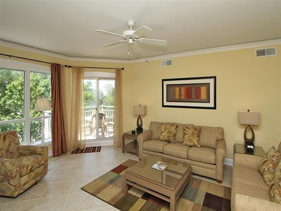 Living Room at 2512 Windsor II - 2512 Windsor II - Palmetto Dunes - rentals