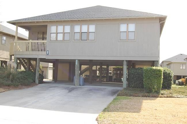 Marvelous 4 Bedroom Guest Cottage with a Pool, in Myrtle Beach - Image 1 - Myrtle Beach - rentals