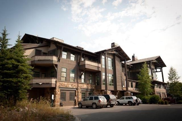 Teton Village 3 BR, 4 BA Condo (3.5bd/3.5ba Cody House 1a) - Image 1 - Teton Village - rentals