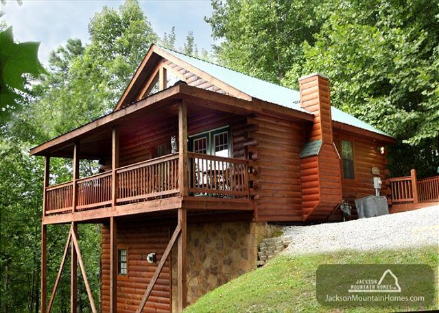 Gatlinburg Hideaway   King/Queen Suites  Jacuzzis  Gaming  Free Nights - Image 1 - Gatlinburg - rentals