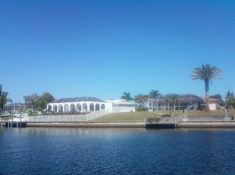 Dolphin Bay - Image 1 - Cape Coral - rentals
