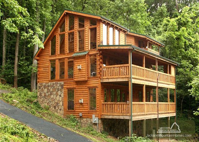 Lasting Impressions  Near Downtown Gaming Hot Tub Privacy  Free Nights - Image 1 - Gatlinburg - rentals