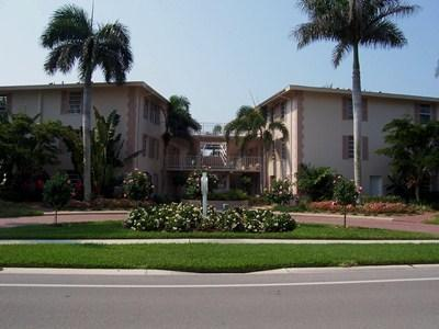 Moorings Bay in the Moorings - MO MB 201A - Image 1 - Naples - rentals