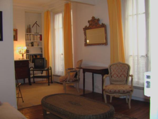 Eiffel Tower - 1 Bedroom (3884) - Image 1 - Paris - rentals