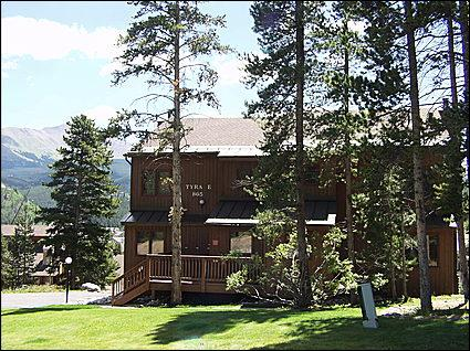 Tyra Summit, Front Exterior - Cozy Slopeside Condo - Amazing Mountain Views (2056) - Breckenridge - rentals