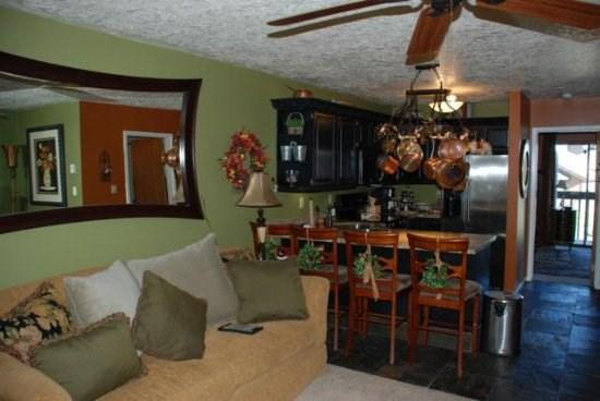 Spacious Two Bedroom condo with Game area for kids - Image 1 - Eden - rentals