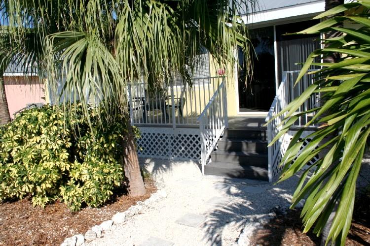 Backyard / porch - Reef Madness, close to great diving sites! # 79 - Key Colony Beach - rentals