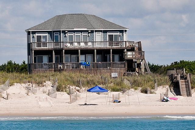I'm on a boat! - Hampton Colony 412 Oceanfront! | Community Pool, Hot Tub, Internet, Wedding Friendly, Jacuzzi - North Topsail Beach - rentals