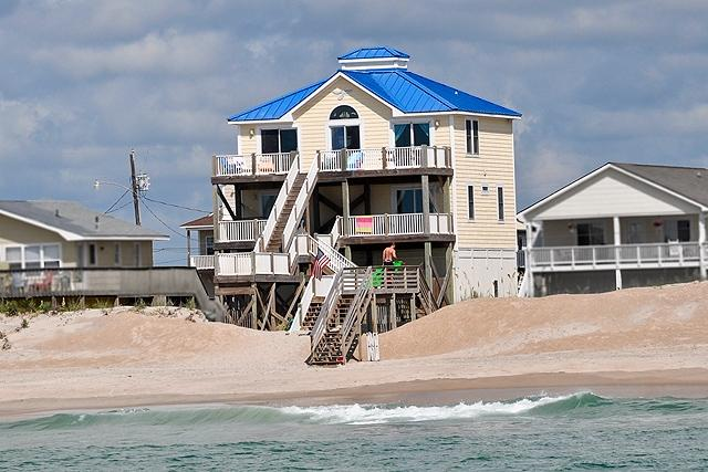 I'm on a boat! - Seashore Drive 330 Oceanfront! | Internet - North Topsail Beach - rentals