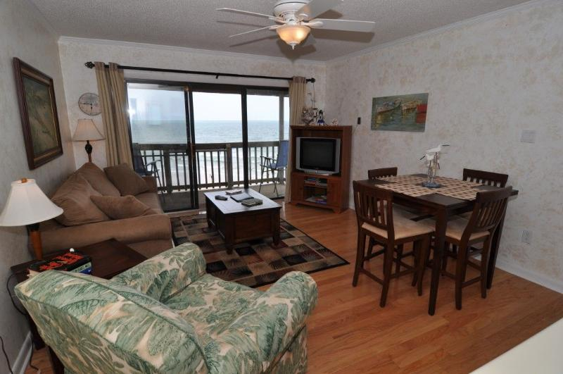 Living Area - Topsail Dunes 1312 Oceanfront! | Community Pool, Tennis Courts, Grill Area - North Topsail Beach - rentals