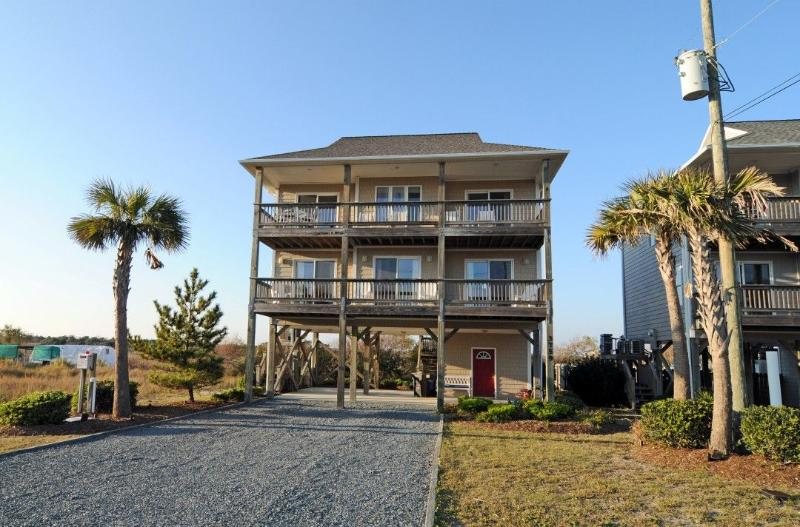 3759 Island Dr - Island Drive 3759 Oceanview! | Fireplace - North Topsail Beach - rentals