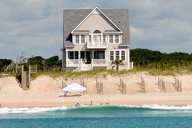 I'm on a boat! - Island Drive 4158 Oceanfront-B Lot! | Internet, Community Pool, Hot Tub, Jacuzzi, Fireplace - North Topsail Beach - rentals