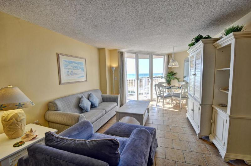 Living Room - St. Regis 1204 Oceanfront! |  Indoor Pool, Outdoor Pool, Hot Tub, Tennis Courts, Playground - North Topsail Beach - rentals