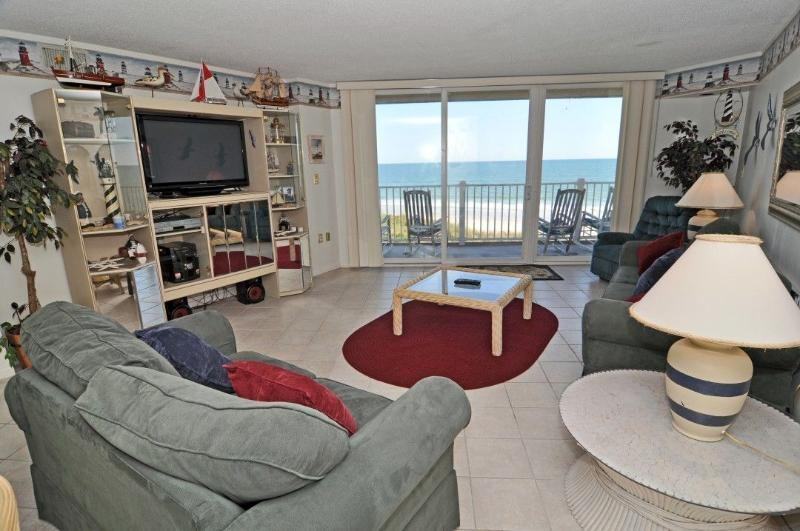 Living Room - St. Regis 2208 Oceanfront! | Indoor Pool, Outdoor Pool, Hot Tub, Tennis Courts, Playground - North Topsail Beach - rentals