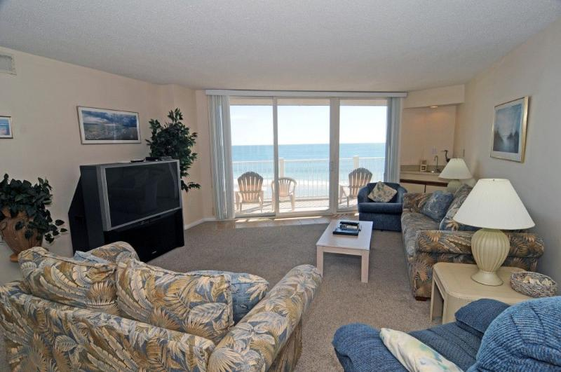 Living Room - St. Regis 2308 Oceanfront! | Indoor Pool, Outdoor Pool, Hot Tub, Tennis Courts, Playground - North Topsail Beach - rentals