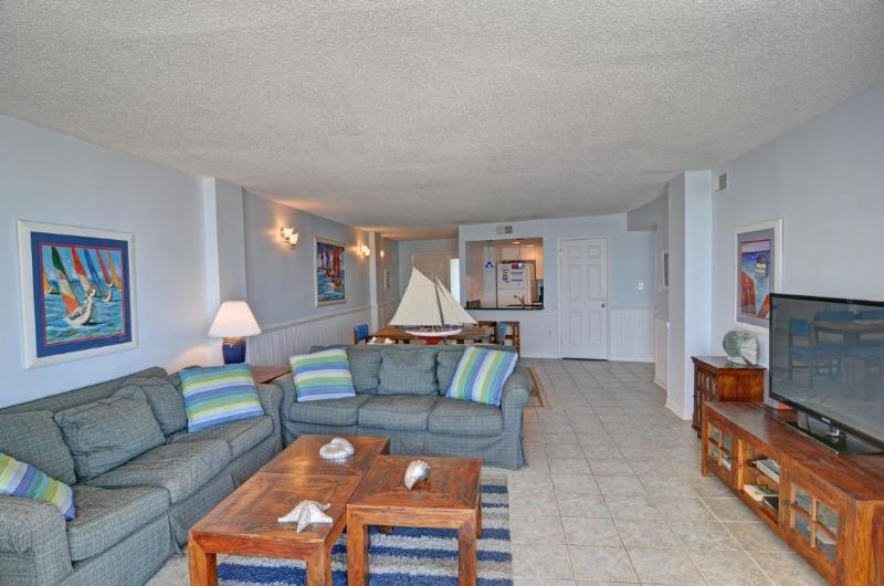 Living Area - St. Regis 2508 Oceanfront! | Indoor Pool, Outdoor Pool, Hot Tub, Tennis Courts, Playground - North Topsail Beach - rentals