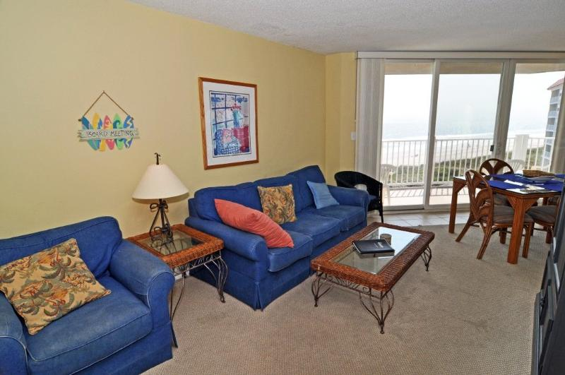 Living Room - St. Regis 2406 Oceanfront! | Indoor Pool, Outdoor Pool, Hot Tub, Tennis Courts, Playground - North Topsail Beach - rentals