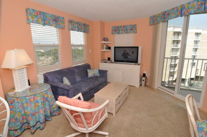 Living Room - St. Regis 2514 Oceanfront! | Indoor Pool, Outdoor Pool, Hot Tub, Tennis Courts, Playground - North Topsail Beach - rentals