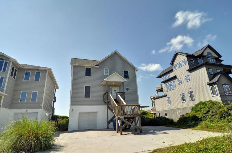 4444 Island Dr - Island Drive 4444 Oceanfront! | Jacuzzi, Internet - North Topsail Beach - rentals