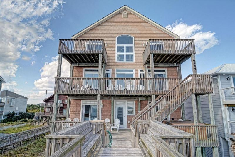 4464 Island Dr - Island Drive 4464 Oceanfront! | Hot Tub, Jacuzzi, Fireplace - North Topsail Beach - rentals