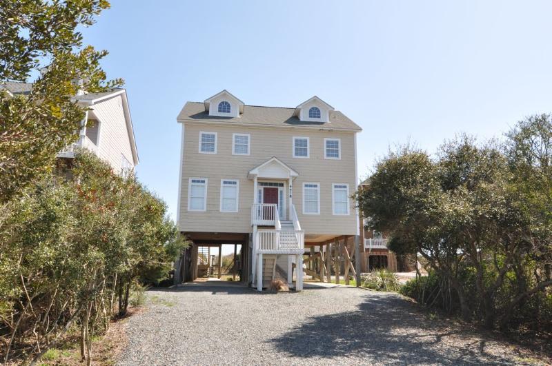 4478 Island Dr - Island Drive 4478 Oceanfront-B Lot! | Hot Tub, Jacuzzi, Internet, Pet Friendly - North Topsail Beach - rentals